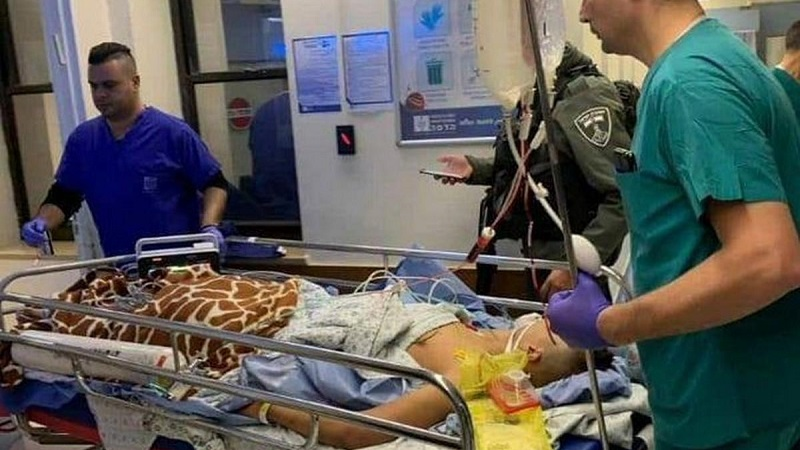 2019-1-25-Israel-forces-handcuff-Palestinian-boy-to-hospital-bed-in-JerusalemDxvXG7oUYAEfw4R.jpg