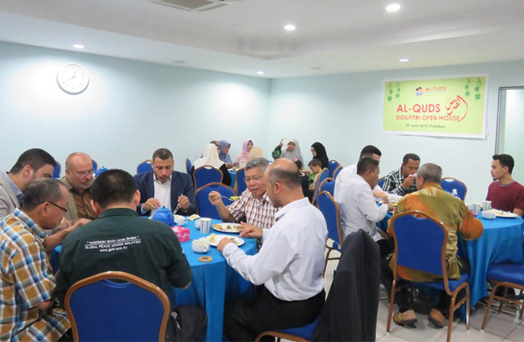 Al-Quds Open House hosts Malaysians in Palestinian way