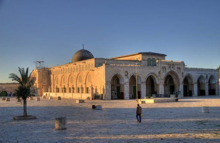 Al-Quds and Al-Aqsa in the Clutch of Judaization